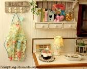Cotton Cloth Kitchen Apron w/Sccisors - 1:12th Dollhouse Miniatures