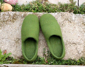 Gift for Father wool clogs felted shoes green slippers unisex felt slippers gift for Him and Her original gift handmade felt shoes stylish