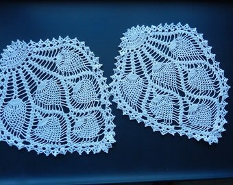 Antique Doilies - Vintage Doilies - Crocheted Doilies - Handmade White Doilies - Pineapple Design Doilies - Shabby Cottage Chic
