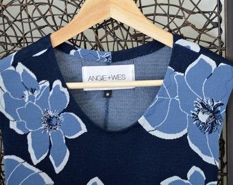 V-Neck Floral Print Blue Sleeveless Flare Dress