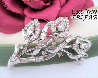 Crown Trifari Rhinestone Brooch - Clear Stones -  Signed Trifari - Pat Pend - Alfred Philippe - 40's Trifari Brooch