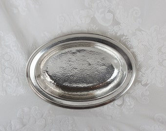 Silverplate Oval Bowl- vintage hammered silverplate by International Silver Co, BIGGS 2210 Small, shallow design - Keys, Mail,  Candy dish