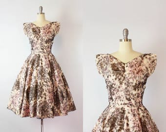 vintage 50s SUZY PERETTE dress / 1950s watercolor floral chiffon dress / fit and flare party dress / grey and pink dress