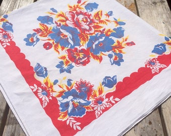 Stunning vintage table cloth 1950s - large with fabulous flowers