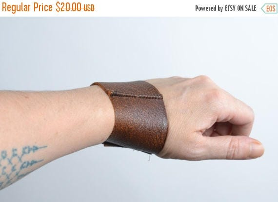 SUMMER SALE Unisex Brown Leather Cuff - Twisted Men's Leather Cuff - Leather Cuff - Men Leather Cuff - Men's Accessories