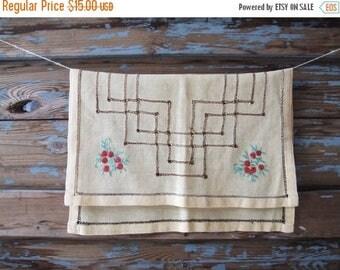 SALE Danish Vintage Table Cloth Flowers Lace