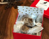 Coffee lovers' gift: espresso caramels and organic coffee
