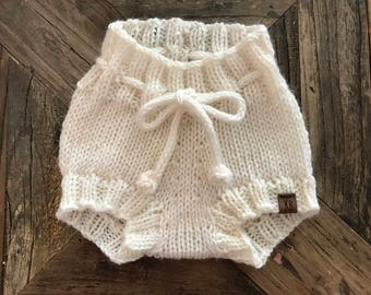 READY TO SHIP///Drawstring Bloomers in White (Newborn)