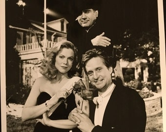 Movie photo from The War of the Roses starring Michael Douglas, Kathleen Turner and Danny DeVitto.