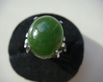 Green Cabochon Ring in Silver