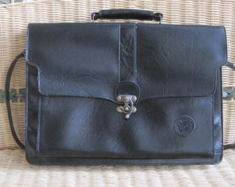 Veneto Purse Messange Shoulder Bricase Bag Embossed Leather Italy 1980s