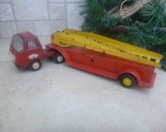 Tonka Snubnosed Semi Tractor Fire Truck      (T)