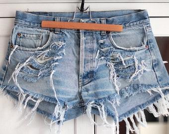 Levi's Shorts Denim High Waisted Vintage Destroyed Ripped Cut Off Jeans Acid Wash Light Blue Summer Clothing Women Girls W33 / Large Size
