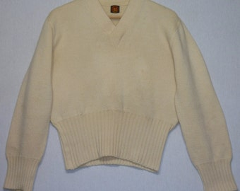 1940s Sweater / S - M / V Neck / 40s Sweater / Varsity Sweater / Pullover / Cheerleader Sweater / Wool Sweater / Rockabilly / Swing / Cream