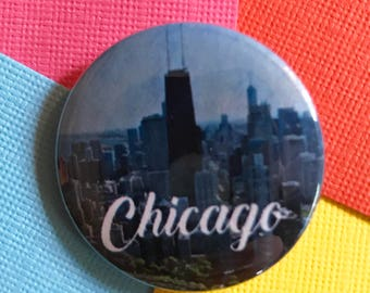 Chicago Travel Pinback Button, Chicago Illinois Pin, Chicago Keychain, Chicago Magnet, Chicago Keychain, Chicago Skyline, Backpack Piins