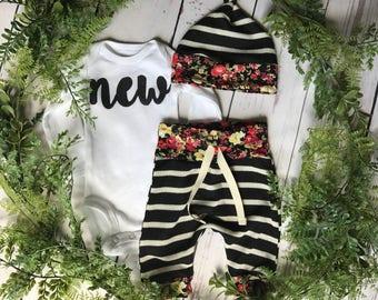 Newborn Girls Take Home Outfit / Newborn Girl Coming Home Outfit / Newborn Floral Outfit // Brand New Clothing Set // Preemie Outfit