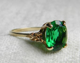 Art Deco Vintage Ring Faux Emerald Ring Emerald Paste Vintage Sweet Ring Fab Fifties