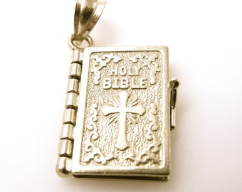 Vintage Holy Bible Charm - 14K Yellow Gold Pendant - Weight 3.6 Grams - Lords Prayer - Movable Pages- 3D - Christian - Religious # 4337