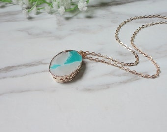 Green Resin Rough Gemstone Gold Plated Pendant  Necklace