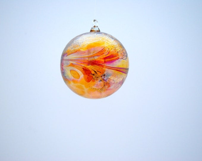 e00-61 Small Iridescent Gold Suncatcher