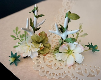 "DARKWHISPER Vintage Handmade ""Happy Holiday"" Romantic Green Ribbon Reindeer & White Flowers Hair pin"