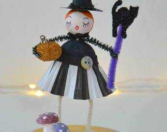 Spun Cotton Halloween Witch / Halloween Ornament / Retro Style