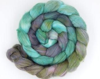 Abalone - 5 oz 143 g Polworth Tussah 60/40 Handpainted Gradient Combed Top Wool and Silk Roving for Spinning