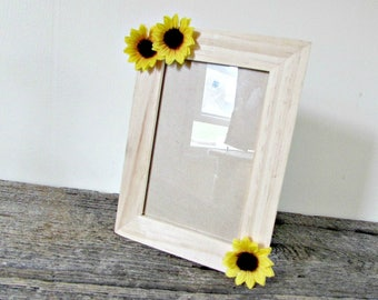 Sunflower Picture Frame 4x6, Wood Photo Frame, Sunflower Home Decor, Sunflower Wedding Picture Frame, Sunflower Party Decor, Sunflower Gift