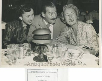 Singer entertainer comedian Jerry Colonna w friends rare candid vintage photo