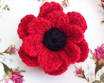 Crochet red spring poppy flower brooch pin corsage applique gift remembrance day mum wool