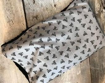 Baby buckwheat scales pillow, deers on grey, buck