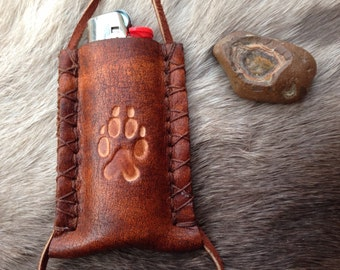 wolf print leather lighter case necklace, lighter pouch, leather lighter leash, lighter case, leather pendant bic cover, lighter necklace