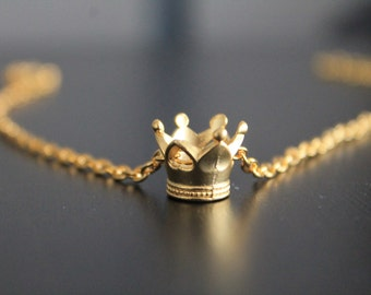 Captive Prince Crown Necklace