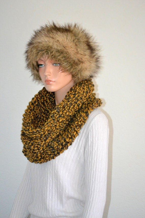 Snood Cowl/Hand Knitted Snood Scarf/ Knit Cowl/ Knit