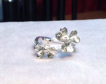 Sterling silver 2 flower ring
