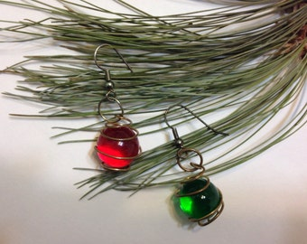 Vintage handmade holiday earrings Red Green Marbles Free Shipping