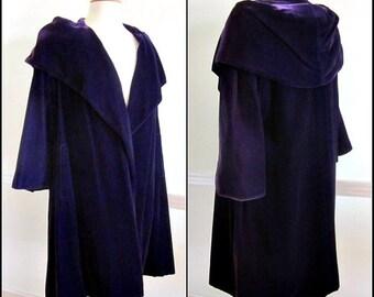 Vintage Purple Velvet Opera Coat / Purple Velvet Coat / 50s Purple Opera Coat /  fits S-L / Purple velvet opera coat / 1950s velvet coat