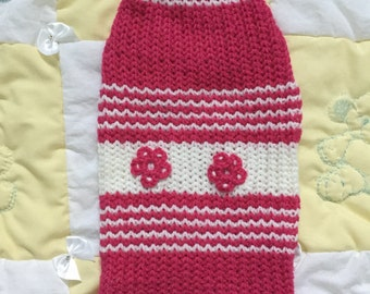 Pink and white pet sweater with flowers