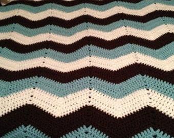 Classic crochet Chevron Blanket