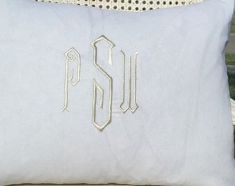 Monogrammed Linen Pillow Cover 20x20/ Accent Pillow/  Toss Pillow / Designer Pillow/ Decorative Pillow Linen Pillow