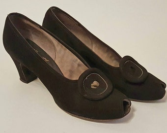 Stunning Vintage 1940s Black Suede Peep toe Pumps - Swing Style Pumps - Size 8,5 (US)/UK 6 / Europe 39 - Narrow