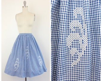 50s Blue & White Checkered Cotton Skirt / 1950s Vintage Embroidered Full Pleated Skirt / 28 inch waist / Medium / Size 8