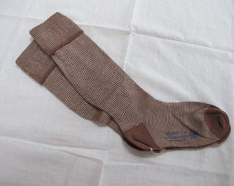 "Vintage 1940's WW2 Era CC41 Utility Mark Brown Rayon Boy's School Evacuee Socks - Size 7"""