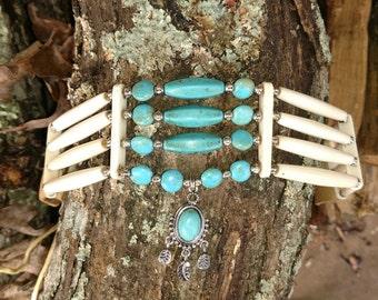 Choker buffalo bone with spiderweb turquoise pendant with magnesite beads