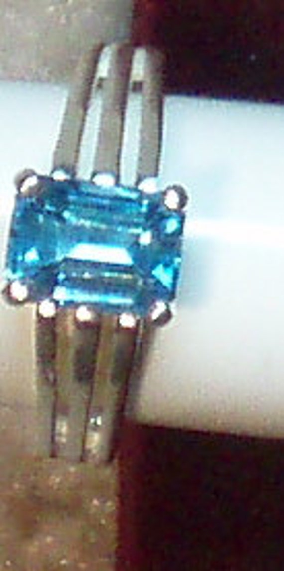 Beautiful Swiss Blue Topaz and Sterling Silver Ring