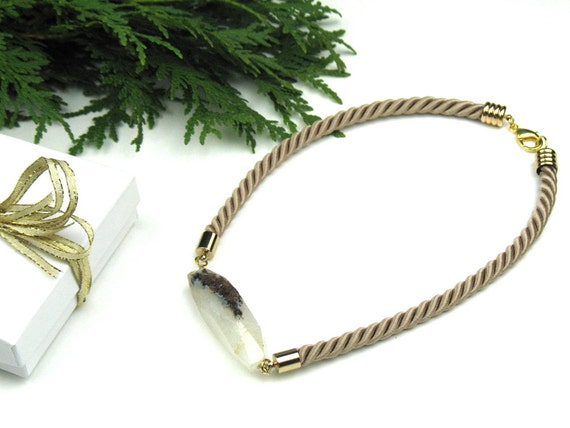 Twisted Rope Statement Necklace in Beige with Crackle Agate Stone