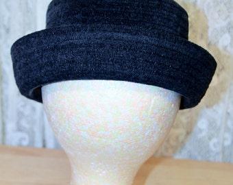 """Vintage Ladies Black Hat, 22 1/2"""""""
