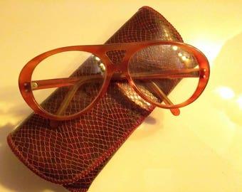 Vintage tortoise shell eyeglasses with case, men's glasses, women's glasses, vintage eyewear, 1970's fashion style glasses frames