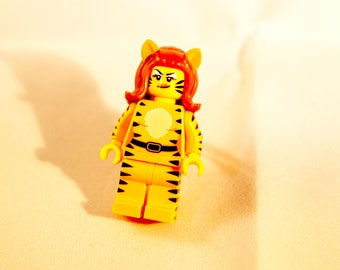Adjustable catwoman Lego ring
