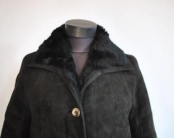 Vintage ORIGINAL SHEARLING COAT , women's lamb fur coat .........(319)